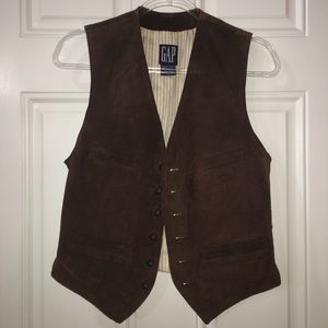 Gap 💯 Brown Leather Vest in excellent condition.